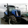 Колесный трактор New Holland T8040