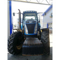 Трактор колесный New Holland T8040